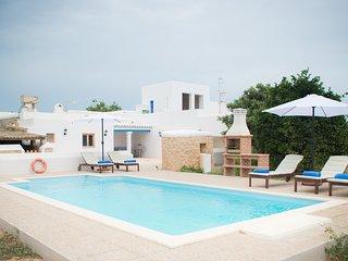 Cana Xuia. Casa tipica ibicenca con piscina y BBQ