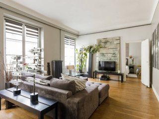 Modern Chic Apartment Buci/Seine