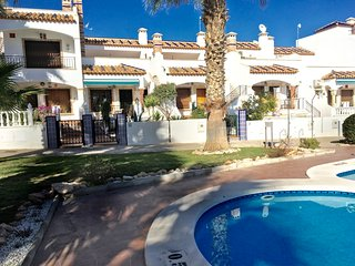 Casa Nuestro Abrigo (directly in the middle of the phoograph) and its location to the communal pool