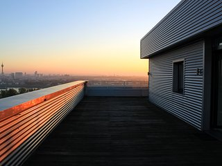 Rooftop Penthouse Sky Dusseldorf/Neuss with Rhine river & Skyline View
