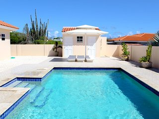 Tropical Palms Villa!