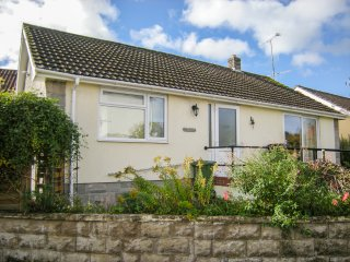 LAMORA, limited mobility access, Cheddar Gorge nearby, centre of Cheddar, Ref 95
