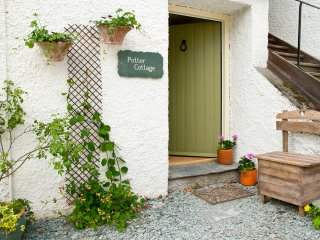POTTER COTTAGE, all ground floor, open plan living area, shared gardens and