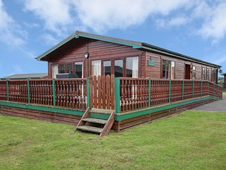 Luxury waterfront 4 bedroom cabin with direct views of Mulroy Bay. Sleeps 8
