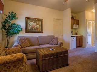 Romantic Rhapsody - Adorable 1 Bedroom 1 Bath Condo in Gorgeous Stonebridge!
