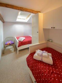 Red Bedroom - 2 x Singles
