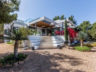 Luxury villa in Cala Tarida