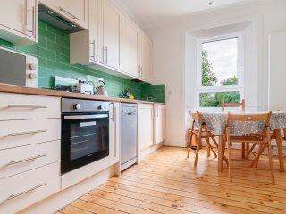 Leven Street, Tollcross: Bright and modern one-bedroom flat in buzzing Tollcross