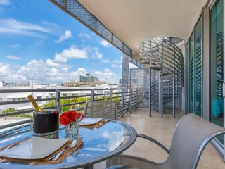 Ultimate Luxury Penthouse Private Rooftop Jacuzzi All Amenities Included A2