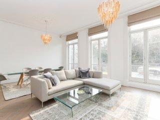 Stunning 2-bed flat in Kensington