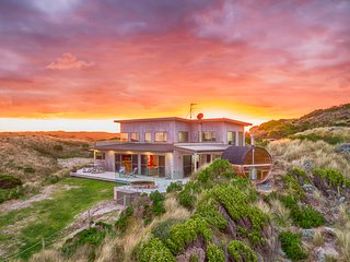 Porky Beach House - King Island Escapes