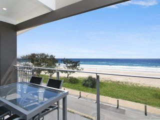 Brixton Rise 3 - Beachfront Tugun
