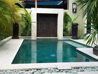 KUTA - 6 BEDROOMS - PRIVATE POOL - BREAKFAST OPTIONS- rio