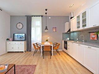 Apartment 13599