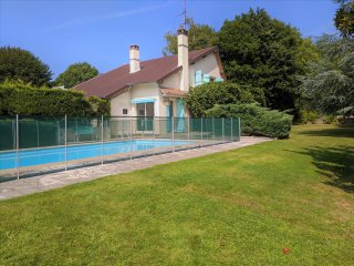 Super Barbizon Villa (Near Paris) with pool