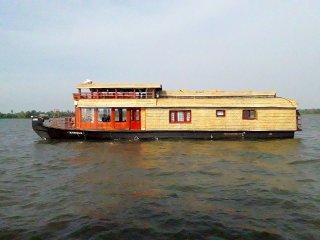 Lagoonbliss Kerala Houseboats