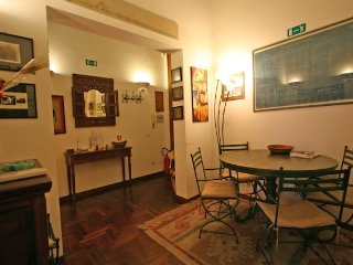 Residenza Paola - Charming 2 bedroom apartment in the heart of Trastevere with