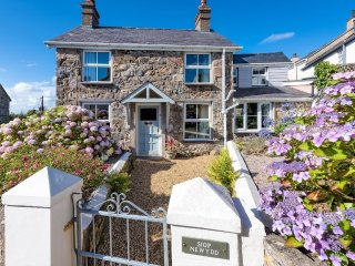 House in Abersoch with Internet, Terrace, Garden (697858)
