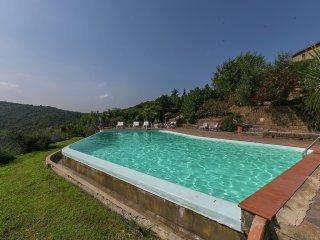 Villa in Civitella In Val di Chiana with Internet, Pool, Terrace, Garden