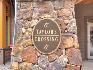 TX209 Taylors Crossing