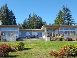 261 -Eagle Cliff Retreat ~ RA168997
