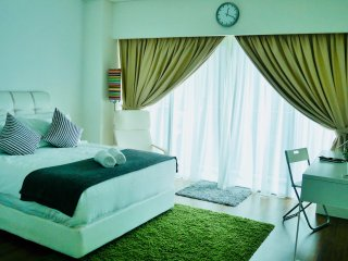 Urban Diamond Suite - Massive luxury apartment - Fastest internet in town