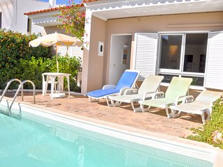 Cozy private pool townhouse within walking distance to The Old Village