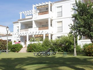 Beachside Apartment walking distance to Puerto Banus & San Pedro