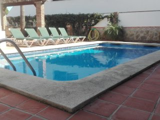 NERJA CITY CENTER.4 BEDROOMS, POOL AND GARDEN.