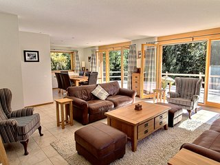 Champery Chalet Sleeps 8 with Pool and Free WiFi - 5628437