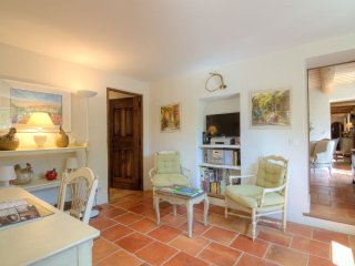 House in the center of Saint-Remy-de-Provence with Internet, Terrace, Balcony