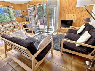 Champery Apartment Sleeps 8 with Pool and Free WiFi - 5628433