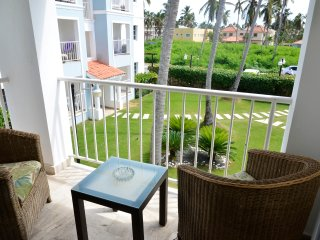 ARENAS DE BAVARO B-201, 2 BR, COMMON POOL & BBQ, CLOSE TO THE BEACH!