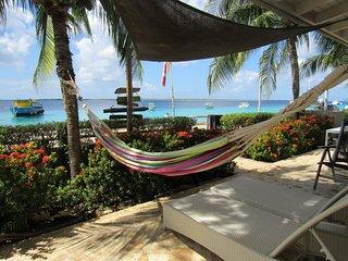 Best Dive Villa right on the ocean!