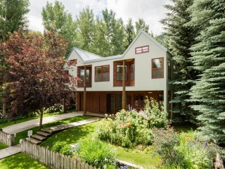 Teague Designed Home on Waters Avenue ~ RA86759