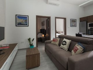 The Hacienda Apartments, Apt 9