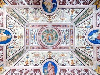 Affreschi, piscina privata, storia... La tua villa vacanze in Toscana!
