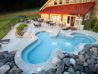 Christmas Mountain Village Resort, 2BR Cottage