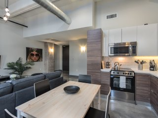 Gorgeous unit+pool+gym+FREE Valet Parking