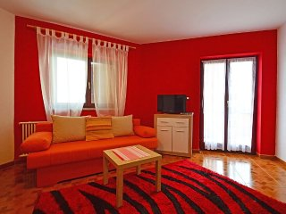 Apartment 388 m from the center of Buzinija with Internet, Air conditioning