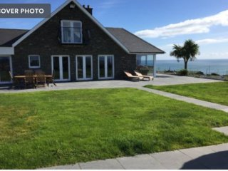 ocean views ,kinsale 6 Double bedroom house,5 bathroom house,sleeps 20 guests