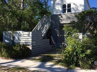 Brand New Studio Apartment Steps from Historic District