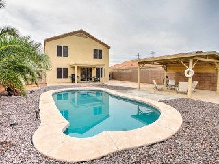 5BR Avondale House w/Private Pool & Deck