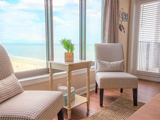 Beautiful Ocean View 2 Bedroom 2 Bathroom!! New Listing!
