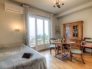 Apartment 1.3 km from the center of Nice with Internet, Air conditioning, Lift