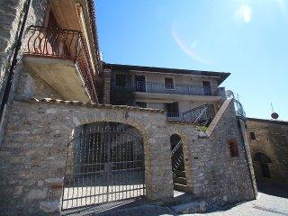 Apartment in Gardola with Internet, Terrace, Washing machine (329507)