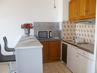Apartment 561 m from the center of Saint-Cyr-sur-Mer with Internet, Parking