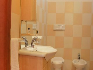 Apartment 295 m from the center of Silvi with Air conditioning, Lift, Parking