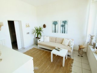 House in the center of Porto Valtravaglia with Parking, Terrace, Garden