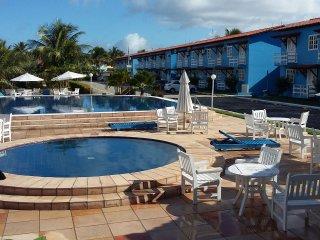 Flat no Condomínio Golden Dolphin a 300m da Praia para até 06 Pessoas